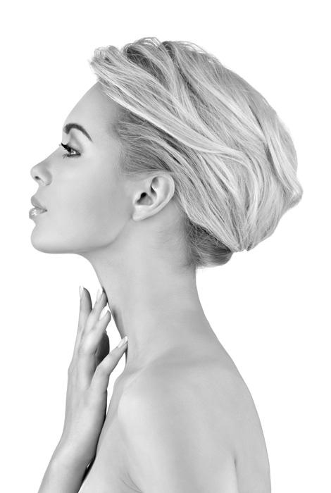 profile-photo-of-beautiful-blonde-woman